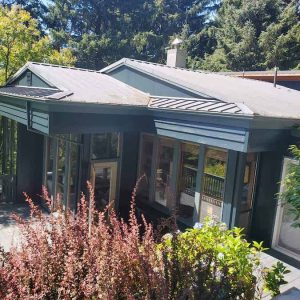 back-view-of-painted-home-in-manzanita