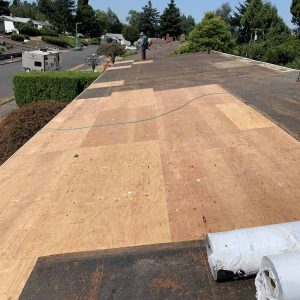 replaced-rotten-plywoods-before-installing-TPO-on-residental-home-in-portland
